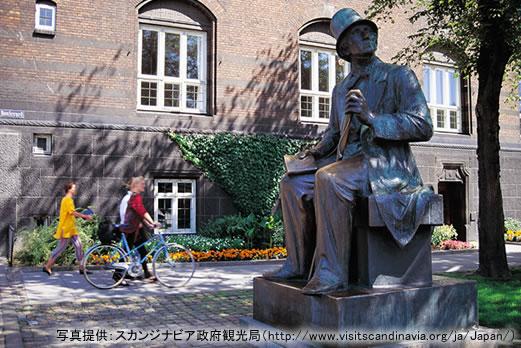 アンデルセンの像(コペンハーゲン)/イメージ