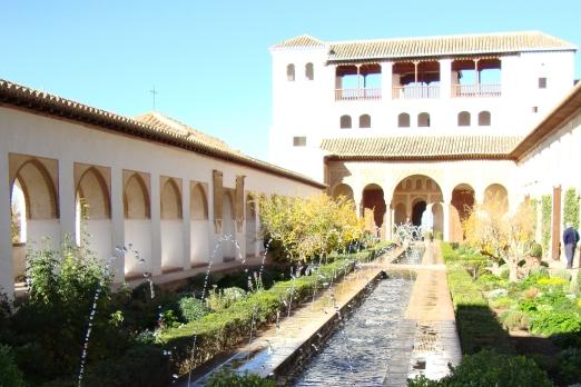 アルハンブラ宮殿 ヘネラリフェ(グラナダ)/イメージ